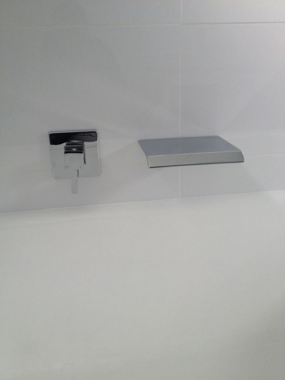 Bath Tub With Designr Style Mixer & Bath Spout From Optimised Range