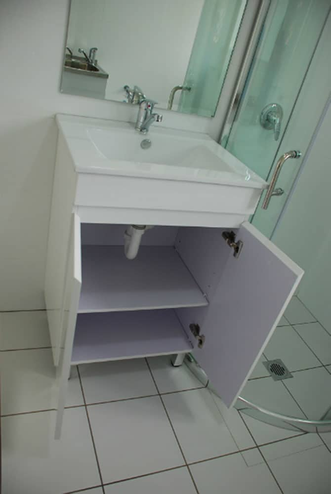 Standard 450mm vanity with Bevelled Egde mirror Over