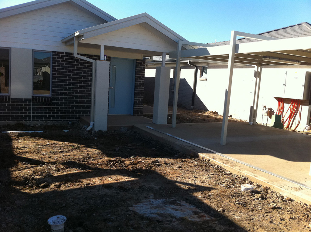 Entry Porch Area With Seperate Driveway & Undercover Carport
