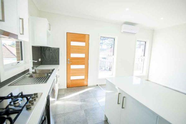 granny-flat-builders-warriewood-kitchen